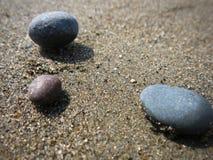 Χαλίκια στην άμμο Στοκ Εικόνες