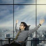 Χαλαρωμένος και ονειρεμένος επιχειρηματίας 1 Στοκ φωτογραφία με δικαίωμα ελεύθερης χρήσης