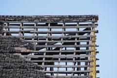 χαλασμένη στέγη Στοκ φωτογραφία με δικαίωμα ελεύθερης χρήσης