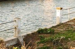 Χαλασμένος φράκτης ραγών Στοκ φωτογραφία με δικαίωμα ελεύθερης χρήσης