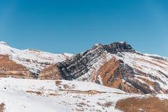 Χειμερινά βουνά στην περιοχή Gusar του Αζερμπαϊτζάν Στοκ Εικόνες