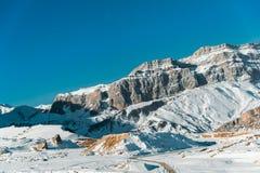 Χειμερινά βουνά στην περιοχή Gusar του Αζερμπαϊτζάν στοκ φωτογραφία