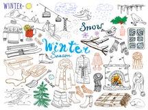 Χειμερινά καθορισμένα εποχή doodles στοιχεία Συρμένο το χέρι σύνολο με το καυτό κρασί γυαλιού, μπότες, ενδύματα, εστία, βουνά, σκ διανυσματική απεικόνιση