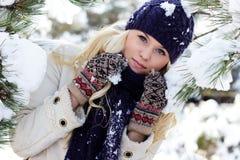 χειμερινές γυναίκες Στοκ εικόνες με δικαίωμα ελεύθερης χρήσης