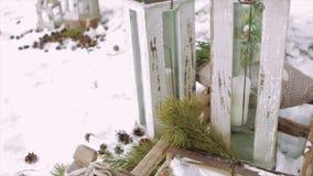 Χειμερινές διακοσμήσεις, φανάρια σε ένα έλκηθρο απόθεμα βίντεο