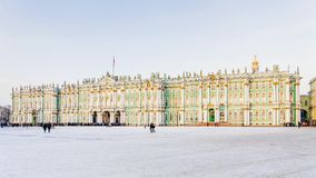 Χειμερινή άποψη του τετραγώνου παλατιών στη Αγία Πετρούπολη, Ρωσία στοκ εικόνα