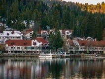 Χειμερινή άποψη Arrowhead λιμνών του χωριού Στοκ φωτογραφία με δικαίωμα ελεύθερης χρήσης