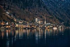 Χειμερινή άποψη Hallstatt, περιοχή κληρονομιάς παγκόσμιου πολιτισμού της ΟΥΝΕΣΚΟ όρη Αυστρία στοκ εικόνες