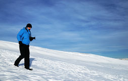 Χειμερινή αλπική οδοιπορία στοκ εικόνα