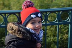 Χειμερινή ζεστασιά παιδιών Στοκ Φωτογραφίες