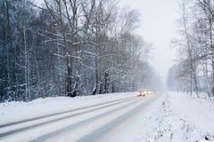 Χειμερινή κίνηση μέσω των ξύλων Στοκ Εικόνα
