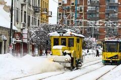 Χειμερινή μεταφορά στην πόλη - Ουγγαρία στοκ εικόνες