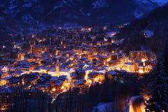 χειμερινή νύχτα σε Limone Πιεμόντε Στοκ εικόνα με δικαίωμα ελεύθερης χρήσης