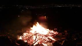 Χειμερινή πυρκαγιά με μια άποψη Στοκ Φωτογραφίες