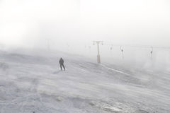Χειμερινός αθλητισμός: Κάνοντας σκι στο θέρετρο Straja, Ρουμανία Στοκ Εικόνες