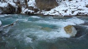 Χειμερινός ποταμός Tara στο Μαυροβούνιο φιλμ μικρού μήκους