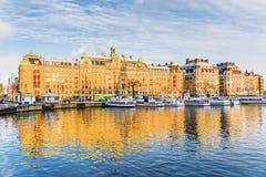 Χειμερινό ανάχωμα με τα παλαιά σκάφη Στοκχόλμη, Σουηδία Στοκ Εικόνες