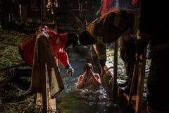 Χειμερινό βάπτισμα στη λίμνη Στοκ εικόνα με δικαίωμα ελεύθερης χρήσης