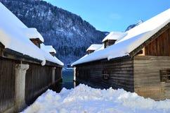 Χειμερινό εξοχικό σπίτι Στοκ εικόνα με δικαίωμα ελεύθερης χρήσης