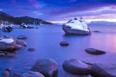 Χειμερινό ηλιοβασίλεμα Tahoe λιμνών Στοκ Φωτογραφίες