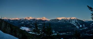 Χειμερινό ηλιοβασίλεμα συριστήρων Στοκ φωτογραφίες με δικαίωμα ελεύθερης χρήσης