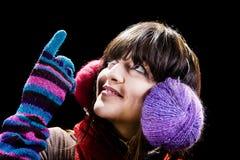 Χειμερινό κορίτσι που φαίνεται ανοδικό Στοκ φωτογραφία με δικαίωμα ελεύθερης χρήσης