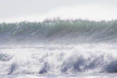 Χειμερινό κύμα σε θλγραν θλθαναρηα, Κανάρια νησιά στοκ εικόνα