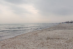 Χειμερινό παγωμένο παραλία τοπίο στοκ εικόνες