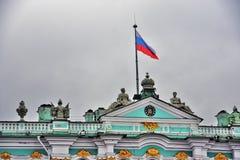 Χειμερινό παλάτι μουσείων ερημητηρίων στην Άγιος-Πετρούπολη, Ρωσία στοκ εικόνες