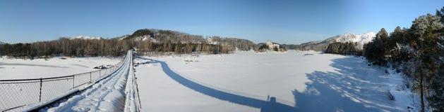 Χειμερινό πανόραμα του ποταμού Katun Στοκ Εικόνες