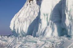 Χειμερινό παραμύθι στη λίμνη Baikal, ανατολική Σιβηρία στοκ εικόνα