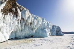 Χειμερινό παραμύθι στη λίμνη Baikal, ανατολική Σιβηρία, στοκ εικόνες