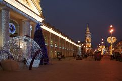 Χειμερινό πρωί στο Gostiny Dvor σε Nevsky Prospekt Στοκ Φωτογραφίες