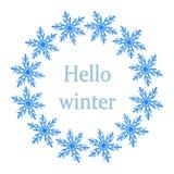 Χειμερινό στεφάνι μπλε snowflakes στο άσπρο υπόβαθρο στοκ φωτογραφίες