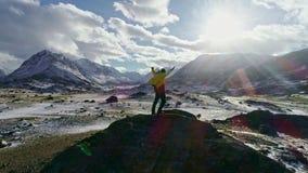 Χειμερινό τοπίο στα βουνά Tatra Τουρίστας στην κορυφογραμμή του δυτικού Tatras φιλμ μικρού μήκους