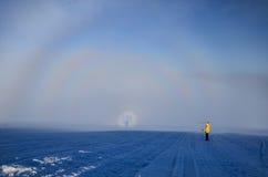 Χειμερινό τοπίο των αποκλεισμένων από τα χιόνια κορυφών Στοκ φωτογραφίες με δικαίωμα ελεύθερης χρήσης