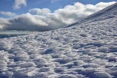 Χειμερινό τοπίο των βουνών Στοκ Εικόνες