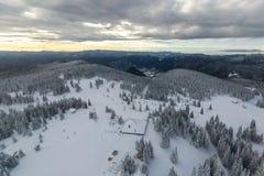 Χειμερινό τοπίο των βουνών Rhodope κοντά στο θέρετρο pamporovo, περιοχή Smolyan, της Βουλγαρίας Στοκ φωτογραφίες με δικαίωμα ελεύθερης χρήσης