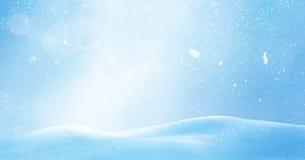 Χειμερινό υπόβαθρο Χριστουγέννων με το χιόνι και θολωμένος bokeh Εύθυμο CH Στοκ εικόνες με δικαίωμα ελεύθερης χρήσης