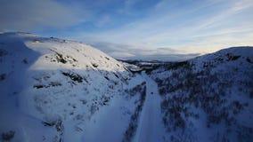 Χειμερινό Drive - οδήγηση εθνικών οδών χειμερινών δρόμων απόθεμα βίντεο
