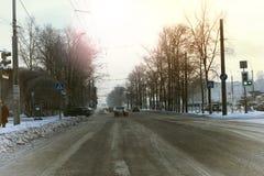Χειμώνας αυτοκινήτων οδικών πόλεων Στοκ Φωτογραφίες