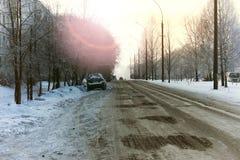 Χειμώνας αυτοκινήτων οδικών πόλεων Στοκ εικόνες με δικαίωμα ελεύθερης χρήσης