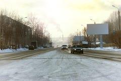 Χειμώνας αυτοκινήτων οδικών πόλεων Στοκ Εικόνες