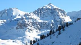 χειμώνας βουνών καμπινών Στοκ εικόνα με δικαίωμα ελεύθερης χρήσης