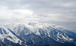 χειμώνας βουνών gudauri Καύκασου Γεωργία μεγάλα βουνά βουνών τοπίων Στοκ Εικόνες