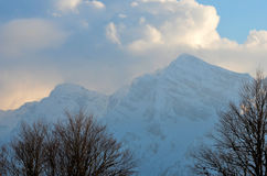 χειμώνας βουνών gudauri Καύκασου Γεωργία μεγάλα βουνά βουνών τοπίων Στοκ εικόνα με δικαίωμα ελεύθερης χρήσης