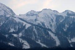 χειμώνας βουνών gudauri Καύκασου Γεωργία μεγάλα βουνά βουνών τοπίων Στοκ Εικόνα