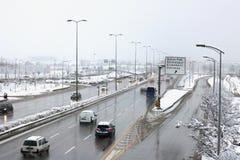 Χειμώνας, κυκλοφορία, δρόμος, πόλη στοκ εικόνα