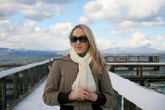 χειμώνας λιμνών κοριτσιών tahoe Στοκ Φωτογραφία