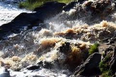 χειμώνας νερού ποταμού τοπίων πάγου ακτών Στοκ εικόνα με δικαίωμα ελεύθερης χρήσης